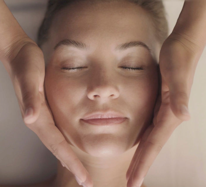 Facial Treatment – well-being – Phytomer Spa
